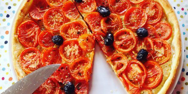 tarte d'été aux légumes tomates chez mémé cours de cuisine à domicile en alsace colmar ©jeenheine