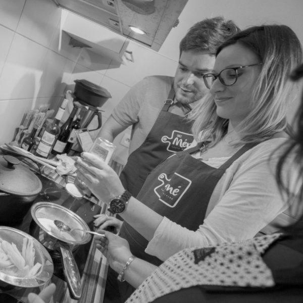 chezmeme-cours-de-cuisine-domicile-couple-duo-amoureux-colmar